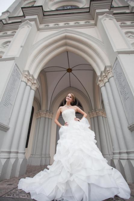 http://www.pwimages.com/images/perfectbride/07593dc4e99e5ae8f206f2d3640badbc-149.png