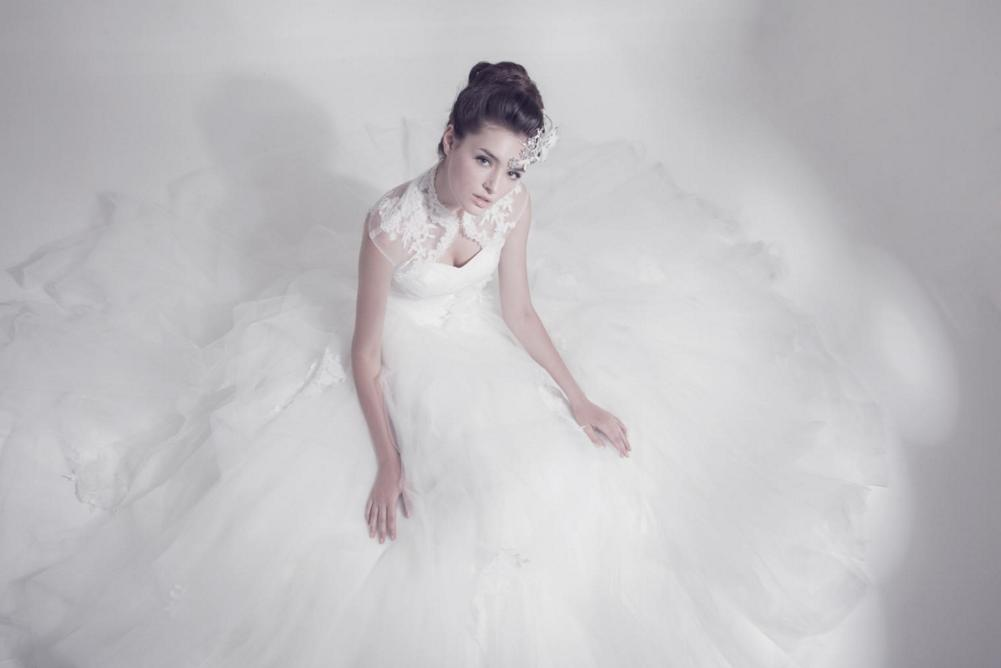 http://www.pwimages.com/images/perfectbride/09bf52db60f52a230d9f1704f6f81d77-215.png