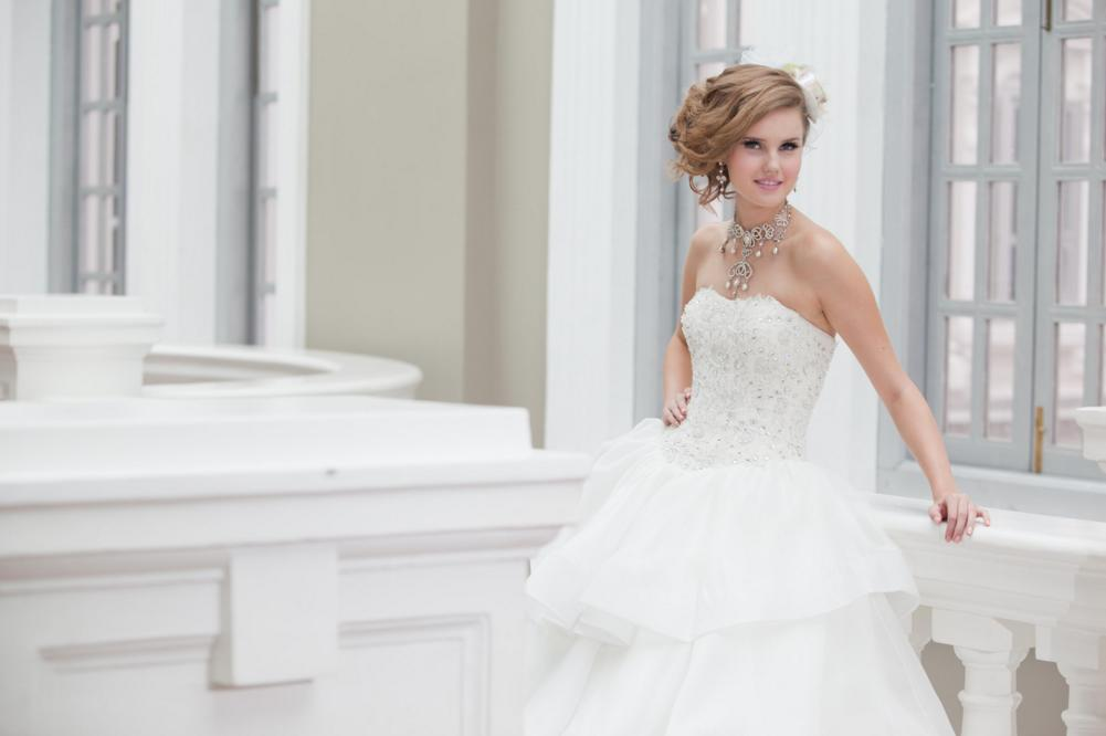 http://www.pwimages.com/images/perfectbride/118947a3fe671fa6b69c9ba3dcbf87aa-133.png