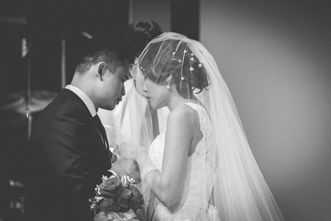 http://www.pwimages.com/images/perfectbride/19d904a2739817c18b2225631d5f8d53-Will-Persis-56.jpg
