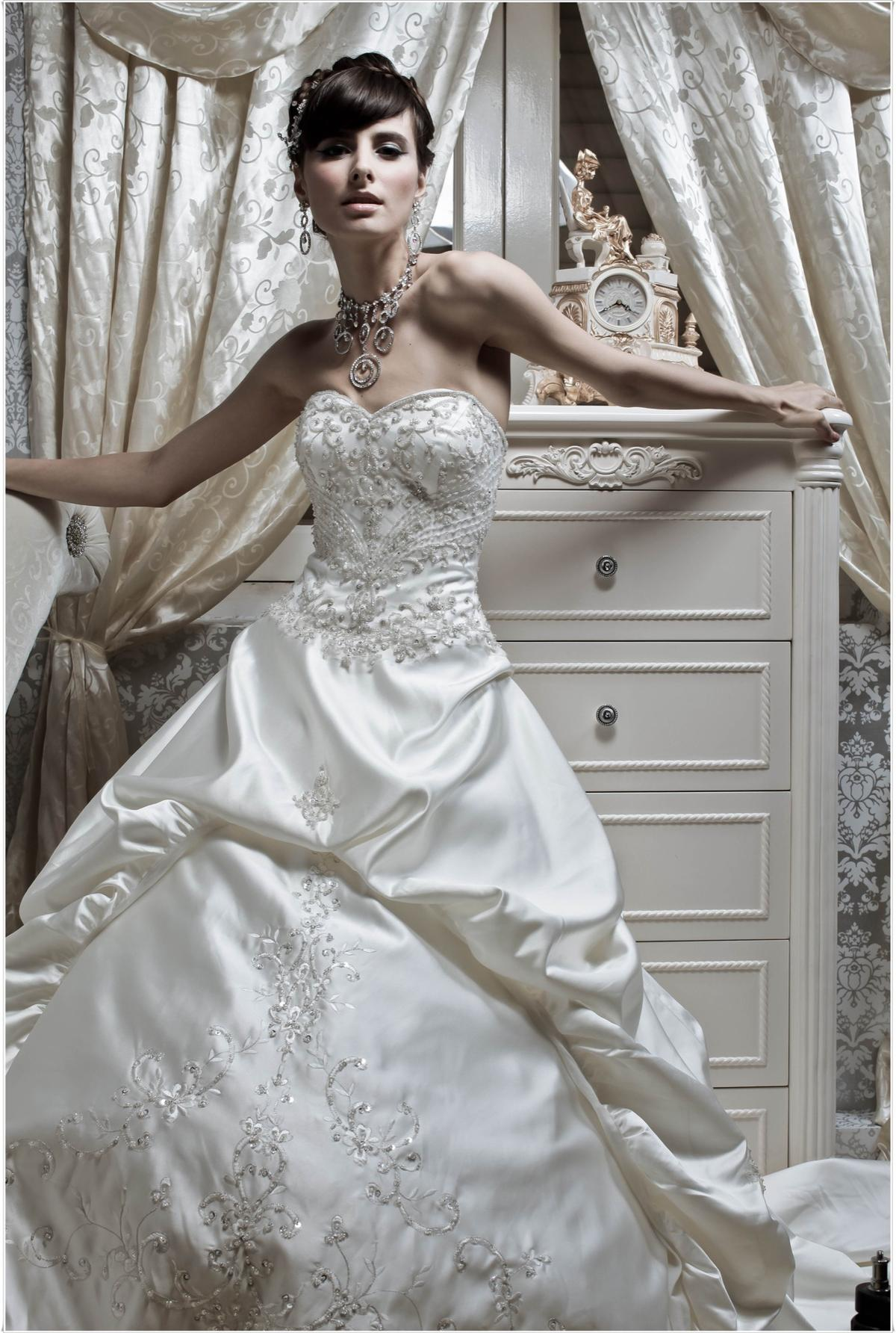 http://www.pwimages.com/images/perfectbride/1dac794aa65bb07469f5f950d6b0517a-223.jpg