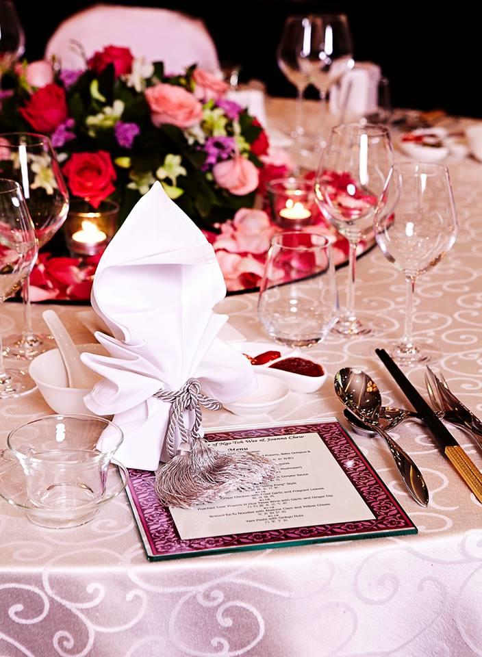 http://www.pwimages.com/images/perfectbride/2f7c1d1e8d8f6465100f6c34b5d6529f-12-Table-Setting (4).jpg