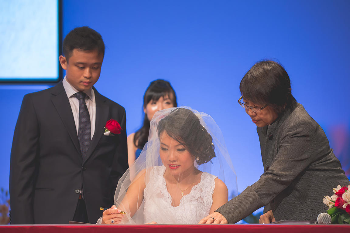 http://www.pwimages.com/images/perfectbride/3469a6dd1d13d6f812acc937ae932b87-Will-Persis-51.jpg