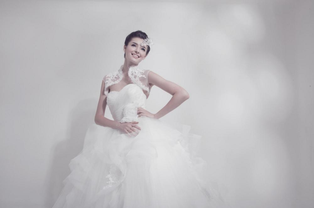 http://www.pwimages.com/images/perfectbride/34ded99e981cc5c5641303f49bff03db-76.png