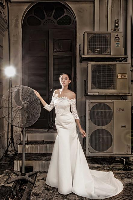 http://www.pwimages.com/images/perfectbride/3a6f2065eb47ef482271f9541250335b-198.png