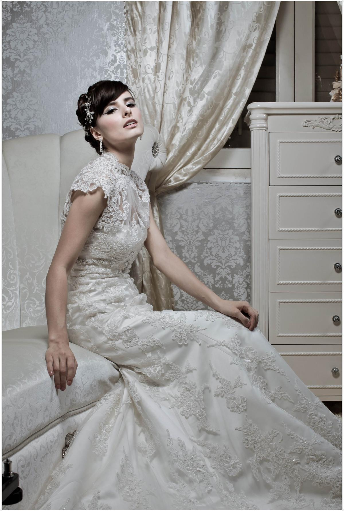 http://www.pwimages.com/images/perfectbride/4533a602316ae116f60242989b9b6a2a-201.jpg