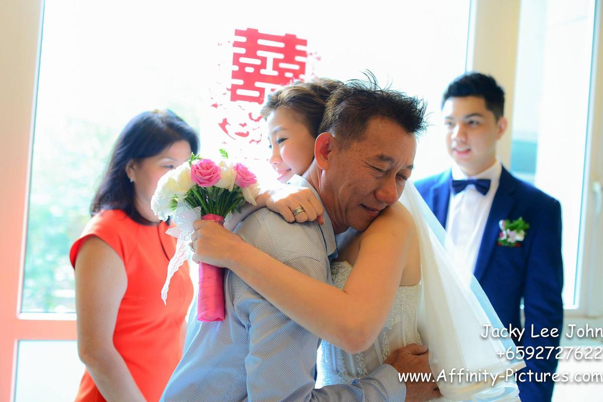 http://www.pwimages.com/images/perfectbride/54a7bf1b0c4280cb7615f80abd3381cd-12185356_930990336949381_8664330118756544487_o.jpg