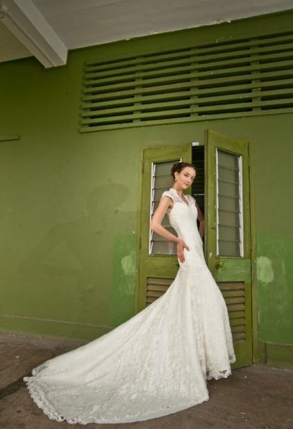 http://www.pwimages.com/images/perfectbride/6131690f1a5dcb6e44980196eeab8447-10.png