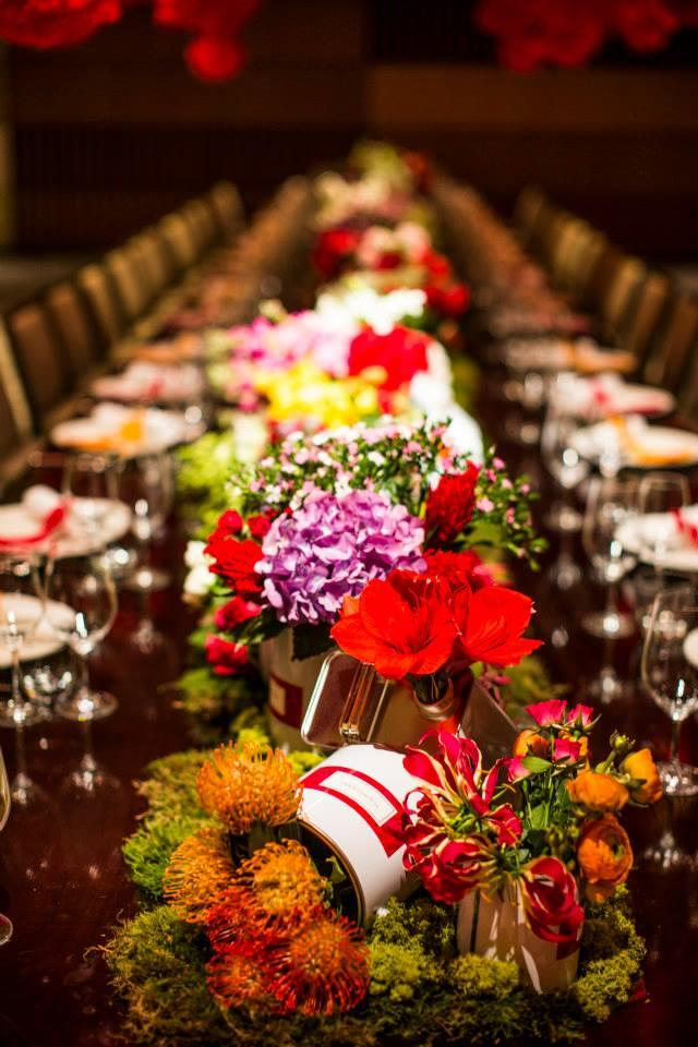 http://www.pwimages.com/images/perfectbride/62b57f152f21ae94cf19c473e935b892-27-Table-Setting.jpg