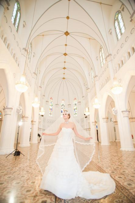 http://www.pwimages.com/images/perfectbride/6e268b1317a9ecefbc387be1c2f16585-136.png