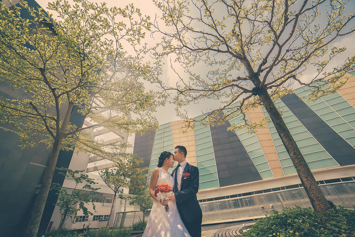 http://www.pwimages.com/images/perfectbride/7b4ddaf6430daafe655a2e0c66530d07-Will-Persis-17.jpg