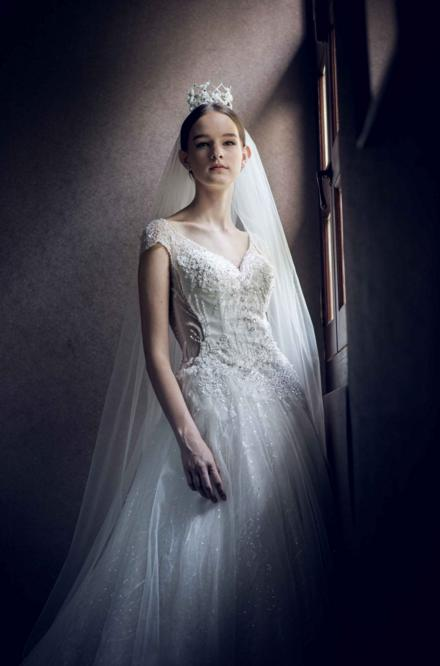 http://www.pwimages.com/images/perfectbride/7f483a9f87817df7d8087709254ab459-10.png