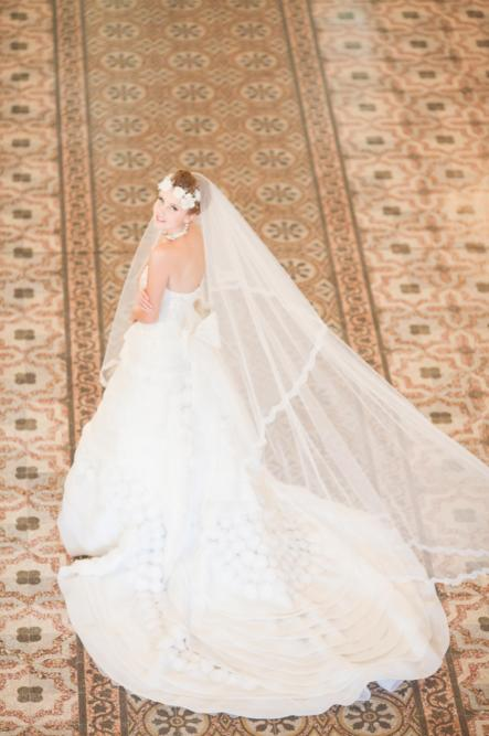 http://www.pwimages.com/images/perfectbride/811c62acbe1f870e400b7b917c2020eb-142.png