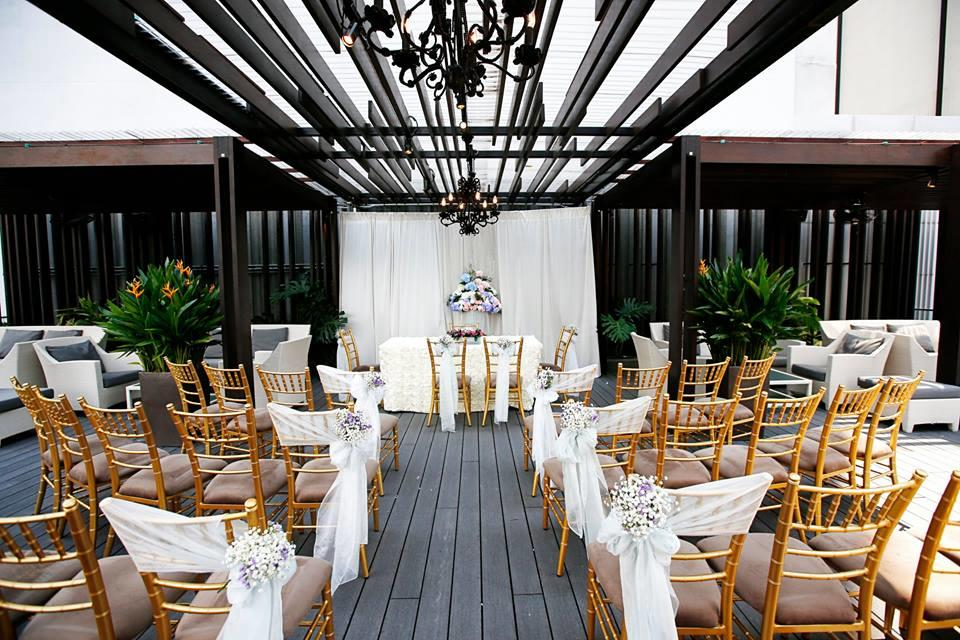 http://www.pwimages.com/images/perfectbride/9206d368f941f5ac17199b65422f4832-15-Outdoor-Solemnisation.jpg