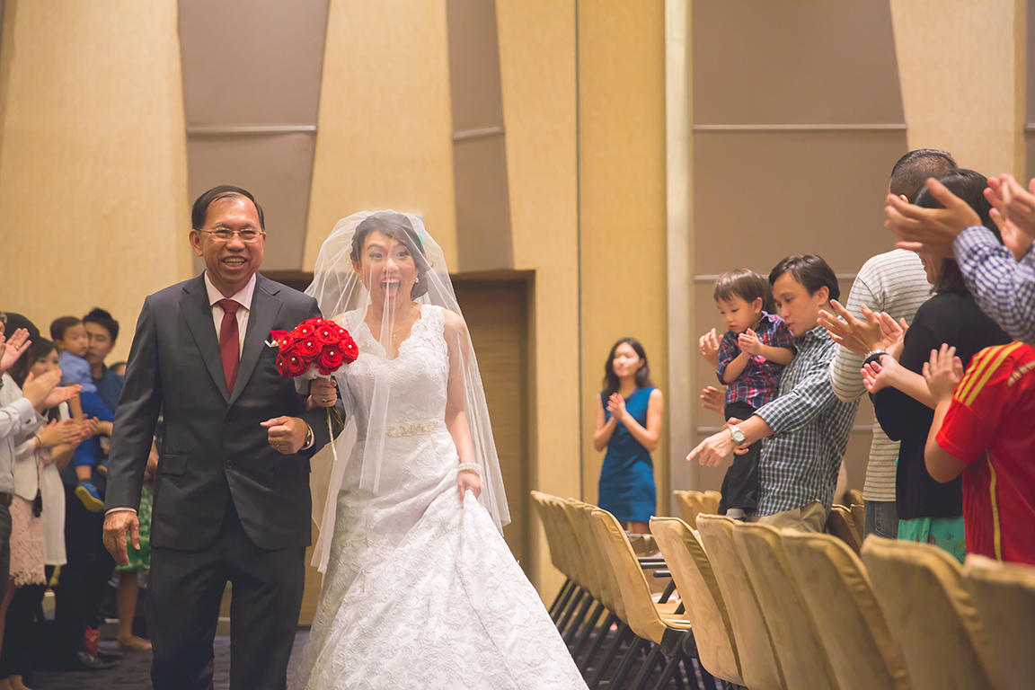 http://www.pwimages.com/images/perfectbride/aba95232cb9e4a5c9aa077cd3bee4255-Will-Persis-36.jpg