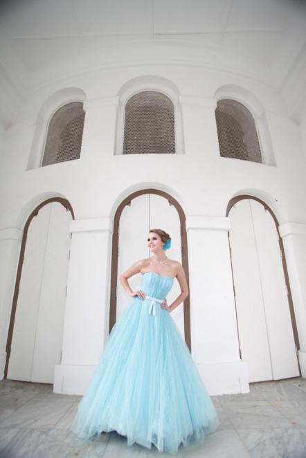 http://www.pwimages.com/images/perfectbride/b6d5098fd2b1be17832fed31b4dc3588-120.png