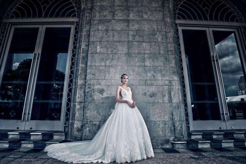 http://www.pwimages.com/images/perfectbride/b95161380f2fc40931648876d9351e4b-16.png