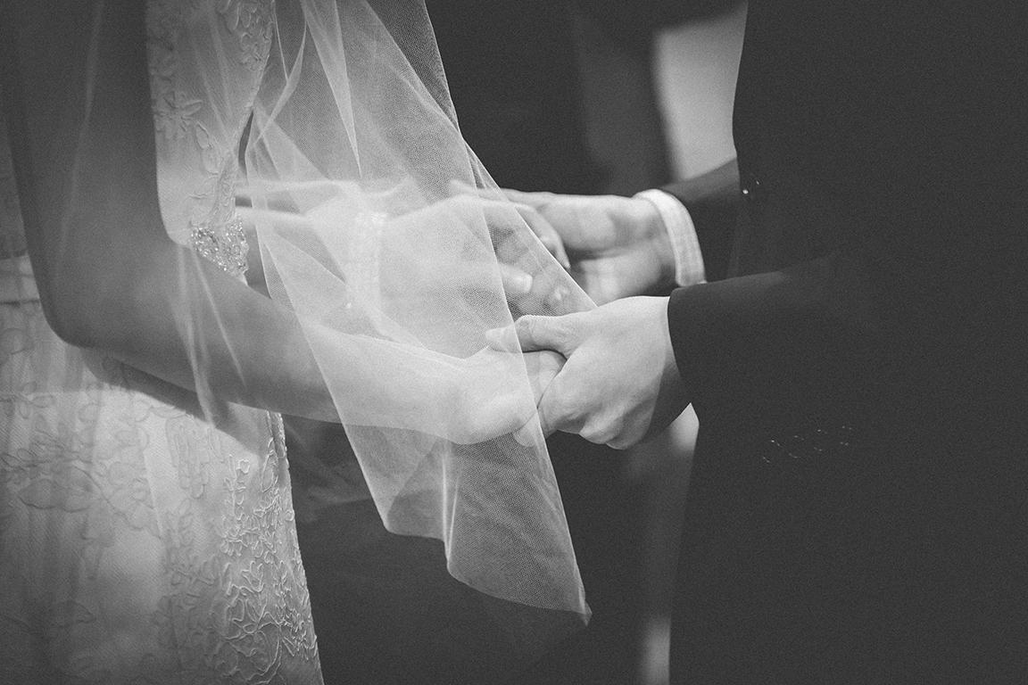 http://www.pwimages.com/images/perfectbride/b9ad57000e0d9a4df8e86b3915cc19d1-Will-Persis-49.jpg