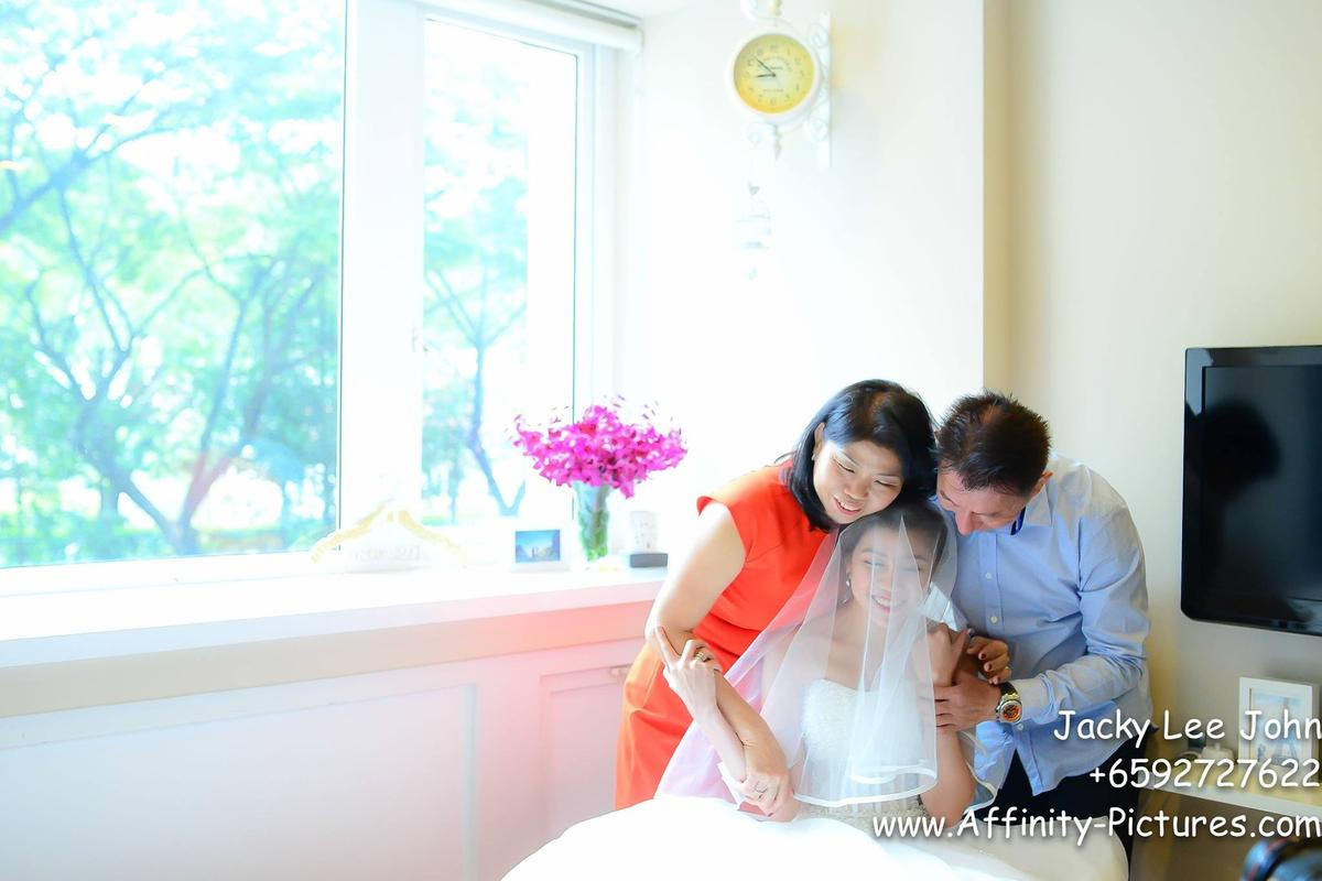 http://www.pwimages.com/images/perfectbride/c77f9ef6e9be723d19b6740666527a44-12185326_930990213616060_141844711363332788_o.jpg