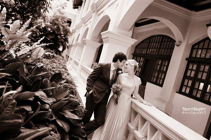 http://www.pwimages.com/images/perfectbride/d24d0be5707f9ed03444439e69898900-BerryHappy-Photography-Pre-Wedding-06.jpg