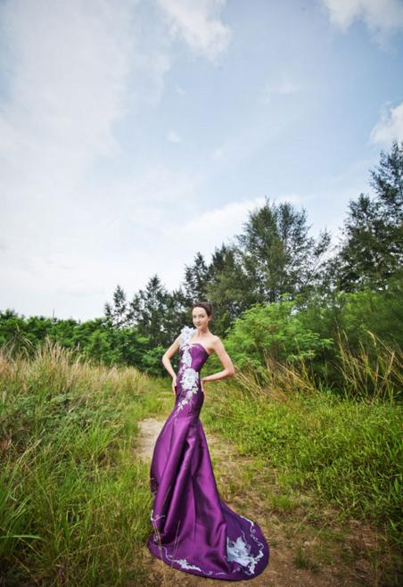 http://www.pwimages.com/images/perfectbride/d84fd3255be3bf1c54ba9f2911f3858b-8 (1).png