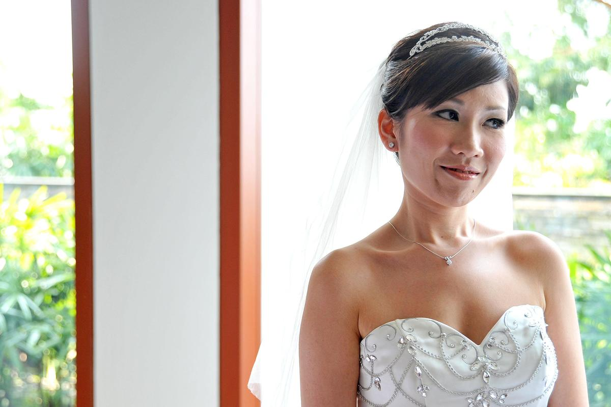 http://www.pwimages.com/images/perfectbride/da6f01ba45840445c9495996be3549a9-livesnapps_tjserene_240312_252.jpg
