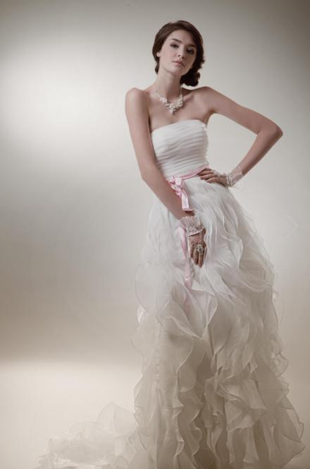 http://www.pwimages.com/images/perfectbride/db90b3e20aca2a69f85641c7bcc316f4-99.png