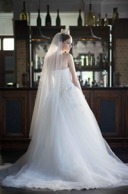 http://www.pwimages.com/images/perfectbride/ee5698562d957290eb6ed0798dcbbeca-8.png