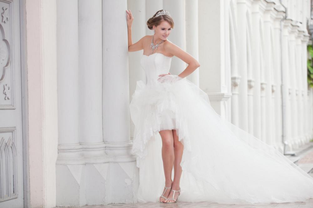 http://www.pwimages.com/images/perfectbride/f3adbddd18588f816d6cbf05cea6c59f-151.png