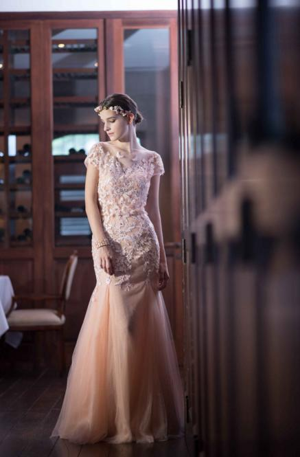 http://www.pwimages.com/images/perfectbride/f439da60d0332e8fa8716176eec0eaee-70.png