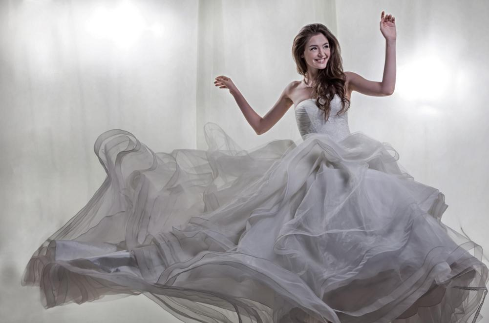http://www.pwimages.com/images/perfectbride/f76e2a0a6004647b18184b21e8dc473f-109.png