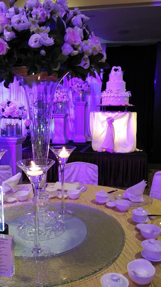 http://www.pwimages.com/images/perfectbride/fe62c071b3463534bd5045501a992cad-14-Table Setting.jpg
